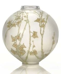 ellentarii: RENÉ LALIQUE (1860-1945). 'Grande Boule Lierre,' A Frosted Glass Vase with Green and Sepia Patina, model introduced 1912, acid etched R. LALIQUE FRANCE