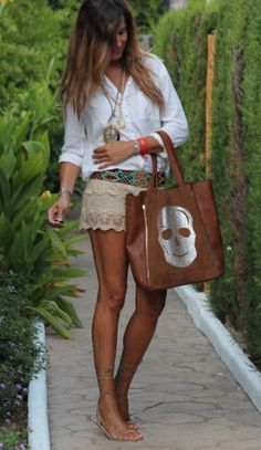 summer goes on???? | mytenida en stylelovely.com - how to combine white shirt and neutral lace shorts