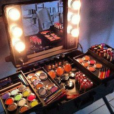 I want this to organize my make-up!!