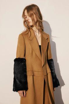 Calvin Klein Collection New York - Pre-Fall - Shows - Vogue. Fall Fashion 2016, Autumn Winter Fashion, Fall Winter, Fashion News, Fashion Show, Runway Fashion, High Fashion, Women's Fashion, Barbara Hepworth
