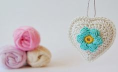 Little crochet heart ornaments, so many ways to embellish these.  Original pattern by Karin an de haak, translated to English at Jose Crochet at this link ~ http://jose-crochet.blogspot.nl/2012/09/free-pattern-heart.html