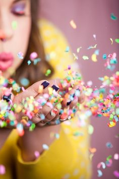 HOW TO TAKE THE PERFECT CONFETTI PHOTO   Best Friends For Frosting