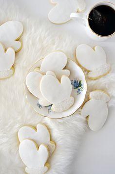 Little mitten cookies