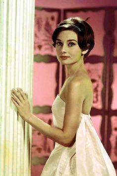 Одри Хепберн (Audrey Hepburn), Актриса: фото, биография, фильмография, новости - Вокруг ТВ.