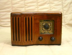 Old Antique Wood Emerson Vintage Tube Radio -Restored Working & Ingraham Cabinet