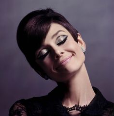 Anyone who knows me knows I'm obsessed with makeup, especially smokey eyes! This classic look from Audrey Hepburn has to be one of my favorites! I'm always inspired by 60's makeup, simply elegant.