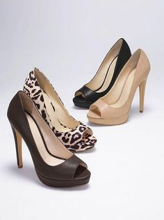 Super versatile and always sexy, this peep-toe platform pump will step up your favorite looks this season and next.