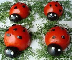 Cherry tomatoes and black olives make adorable ladybugs! Romanian Food, Healthy Alternatives, Healthy Treats, Cherry Tomatoes, Baby Food Recipes, Food Styling, Food Art, Appetizers, Favorite Recipes