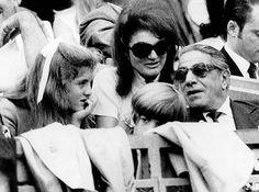 Aristotle Onassis, Jackie and Caroline and John Kennedy, Jr. Jacqueline Kennedy Onassis, John F Kennedy, Les Kennedy, Jaqueline Kennedy, Caroline Kennedy Wedding, Lee Radziwill, Christina Onassis, Familia Kennedy, John Junior