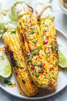 Grilled Corn on the Cob with chili lime butter – A flavor-packed side dish for your backyard bbq — So easy and flavorful! : Grilled Corn on the Cob with chili lime butter – A flavor-packed side dish for your backyard bbq — So easy and flavorful! Corn Recipes, Veggie Recipes, Mexican Food Recipes, Cooking Recipes, Healthy Recipes, Veggie Bbq, Cooking Corn On Bbq, Vegetarian Bbq Skewers, Grilling Corn
