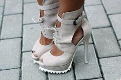мода, каблук, высокий, высокие каблуки, ноги - картинка №82465 на Favim.ru http://truelightcollection.com/
