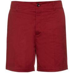 Gucci Classic cotton chino shorts (126.660 HUF) via Polyvore featuring men's fashion, men's clothing, men's shorts, mens chino shorts, gucci mens shorts and gucci mens clothing