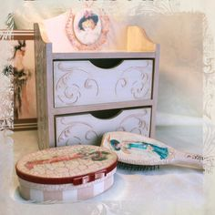 "Ladies toilet set ""Vintage"".   Wooden boxes 30x20, 12x8, wooden hair brush. Decupage."