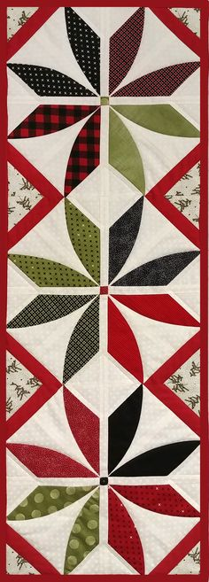 900 Table Runner Ideas In 2021 Quilted Table Runners Quilted Table Toppers Quilts