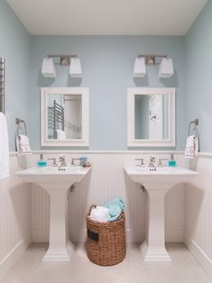 Traditional Blue Bathroom Design (color, beadboard & wainscotting) Pictures, Remodel, Decor and Ideas - page 5 (Houzz)