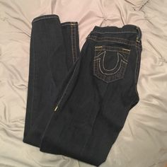 Authentic true religion skinny skinny jeans Nice pair of jeans that fit to compliment any shape. Has not been altered or shortened and is a dark blue wash. ⚓️ True Religion Jeans Skinny