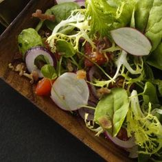 Tossed Salad Recipe -To speed up the preparation of this salad even more, you can slice the vegetables when you have time, either early in the day or the night before.
