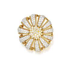 AN 18 KARAT GOLD, PLATINUM AND DIAMOND FLOWER BROOCH, DAVID WEBB, CIRCA 1970