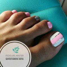 Pretty Toe Nails, Cute Toe Nails, Cute Acrylic Nails, Pedicure Designs, Pedicure Nail Art, Toe Nail Designs, White Pedicure, Gel Toe Nails, Toe Nail Art