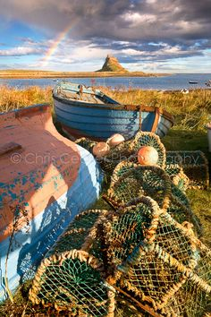 Holy Island, Northumberland, England by Chris Ceaser The Places Youll Go, Places To Visit, Beautiful World, Beautiful Places, Northumberland Coast, Northern England, Vincent Van Gogh, Belle Photo, Great Britain