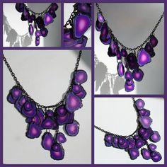 Imagen de https://beadazzlemesk.files.wordpress.com/2010/05/necklace-geode1-small.jpg.