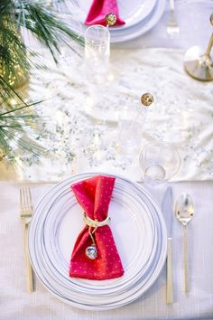 A Colorful Holiday Table