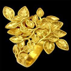 Anel ACÁCIAS. Disponível em Ouro 18K, Prata e Gold Plated. Comp: 3,5 cm  Larg: 2,3 cm