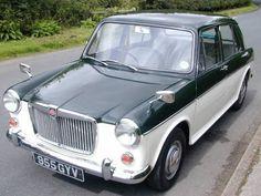 British Car, Great British, Classic Sports Cars, Classic Cars, Mg Cars, Motor Works, Mini Coopers, Love Car, Nice Cars
