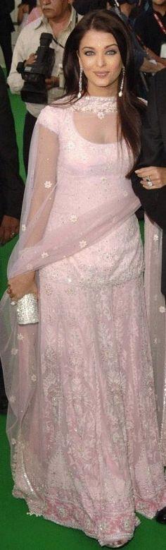 Aishwarya Rai love this shade