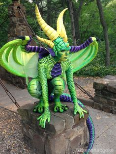 Great instructions to make a dragon costume