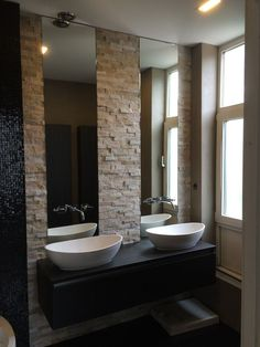 Spots large vasque carrelage sol grand miroir rond mur en