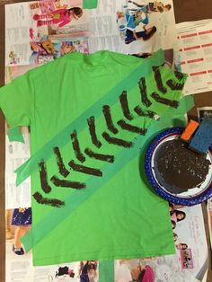 DIY Muddy tractor tire shirt - or on table cloth? Birthday Gifts For Kids, Birthday Diy, First Birthday Parties, Birthday Shirts, Birthday Party Themes, Birthday Ideas, John Deere Party, Tractor Tire, Tractor Birthday