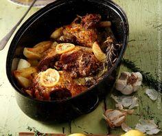 Λεμονάτο κατσικάκι με μελωμένες πατάτες φούρνου | Συνταγή | Argiro.gr Food Categories, Greek Recipes, Tasty Dishes, Paella, Curry, Menu, Healthy, Ethnic Recipes, Dips