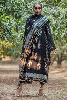 Dress Indian Style, Indian Fashion Dresses, Stylish Dresses For Girls, Girls Dresses, Shalwar Kameez, Salwar Suits, Anarkali Kurti, Indian Suits, Pakistani Outfits