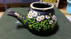 시골엄마가 쓰시던 약탕기 오래됐다~우리집에 온지도 십년정도 된거 같다~울집 장독뒤에 숨어 있던 놈 박박... One Stroke Painting, Painting On Wood, Fabric Art, Fabric Crafts, Indian Art, Flower Art, Folk Art, Beautiful Flowers, Tea Pots