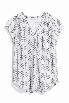 I LOVE this pattern, and the short sleeves, and the neckline!!