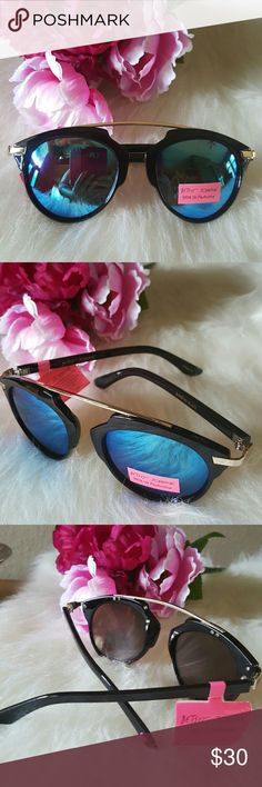 Betsey Johnson Retro Cat-Eye Mirrored Sunnies NWT. Stylish blue mirrored lense sunnies. Good quality black frame with gold accents. Betsey Johnson Accessories Sunglasses