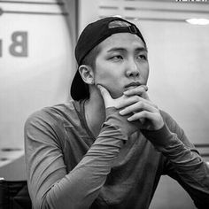 He isn't even my bias but holy shit I'm rethinking things Kim Namjoon, Kim Taehyung, Jung Hoseok, Seokjin, Jimin, Bts Bangtan Boy, Eminem, Mixtape, K Pop