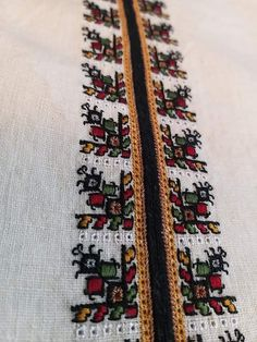 Folk Embroidery, Cross Stitching, Home Art, Diy And Crafts, Bohemian Rug, Traditional, Inspiration, Cross Stitch, Biblical Inspiration