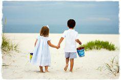 Family beach photo ideas
