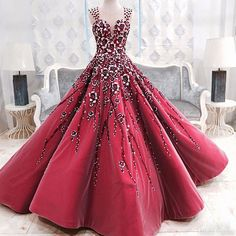 Stunning Red Gown by Mak Tumang ❤️