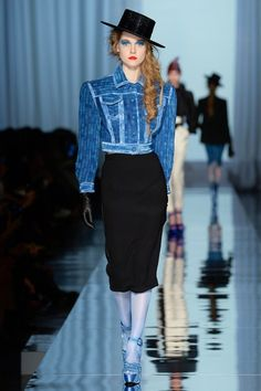 See the complete Jean Paul Gaultier Spring 2017 Couture collection.