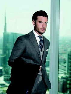 The idea of 'dress for success' seems effective in order to exhibit a strong persona before your clients. Men's Style, Cool Style, Timeless Fashion, Men's Fashion, Man Images, Dress For Success, Classic Man, Suit And Tie, Exhibit