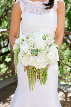 pretty white + green bouquet | Annabella Charles #wedding