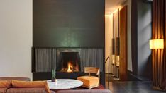 Book Bulgari Hotel Milano in Brera for best available rates at UrbanBooker, the verified luxury hotel collection. Bulgari Hotel Milan, Bvlgari Hotel, Milan Hotel, Joko, Great Hotel, Hotel Interiors, Beautiful Space, Facade, Interior Decorating