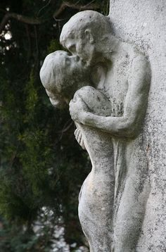 The Last Kiss, at the beautiful Zentralfriedhof Central Cemetary in Vienna, Austria. Cemetery Statues, Cemetery Art, Art Amour, Amour Éternel, Fine Art, Erotic Art, Aesthetic Art, Oeuvre D'art, Art Inspo