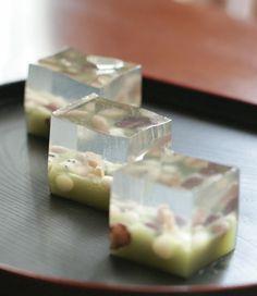 adapt to soap Japanese Treats, Japanese Food Art, Japanese Cake, Mochi, Desserts Japonais, Cute Food, Yummy Food, Japan Dessert, Japanese Wagashi