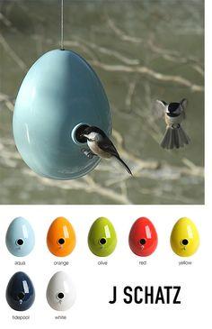 Egg Birdhouse - contemporary - birdhouses - from Plastica Contemporary Bird Feeders, Contemporary Birdhouses, Beautiful Birds, Beautiful Gardens, Homemade Bird Houses, I Like Birds, Backyard Paradise, Bird Boxes, Egg Art
