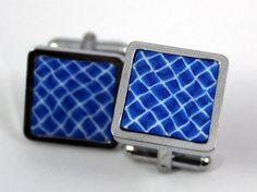Gemelos para camisa azules, elaborados artesanalmente con arcilla polimérica.
