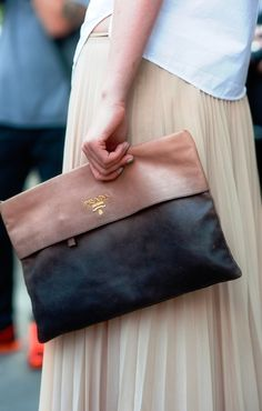 Prada Clutch bag  Love #outfit  Chic.... Fashion styles for women \ ladies. Cute and love the way it was worn!